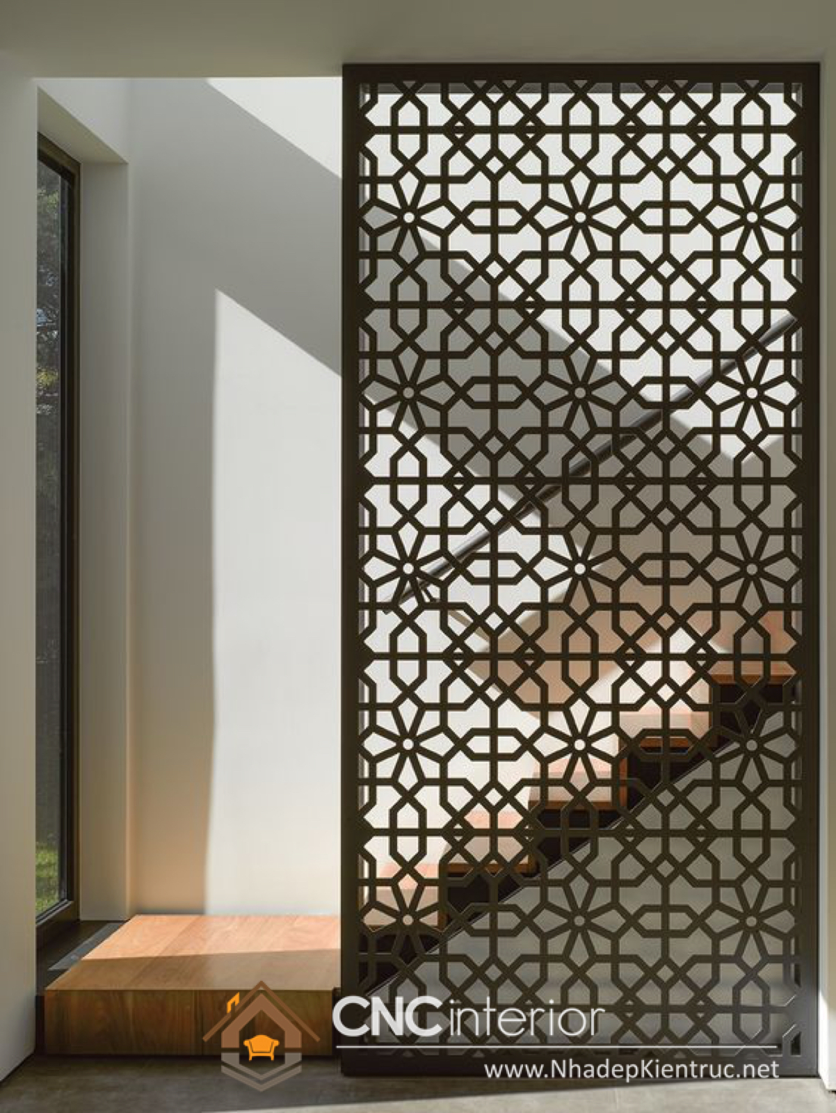 Vách ngăn giữa phòng khách và cầu thang