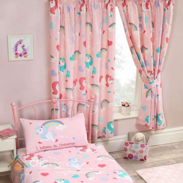 Rèm cửa phòng ngủ nhỏ hồng nữ tính.