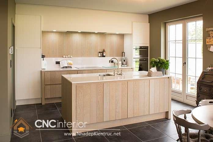 Tận dụng cửa kính giúp cho phòng bếp được lưu thông không khí (10)
