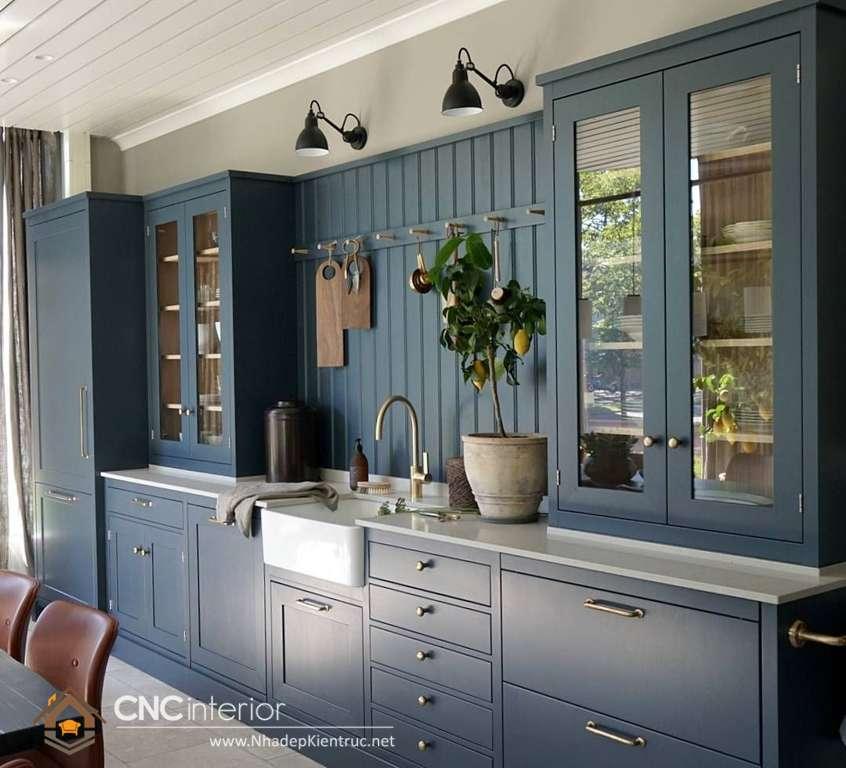 Với tủ bếp bán cổ điển sẽ mang đến không gian phòng bếp đẹp cho nhà ống sự sang trọng và đẳng cấp (18)